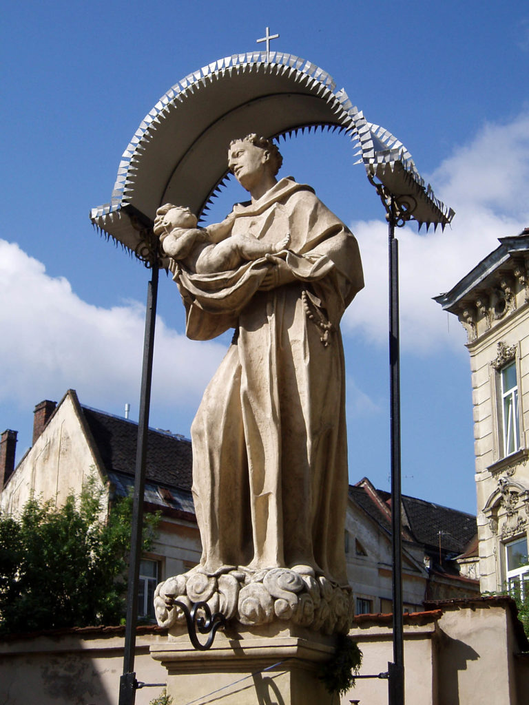 church_of_saint_anthony_lviv_statue_of_saint_anthony_of_padua